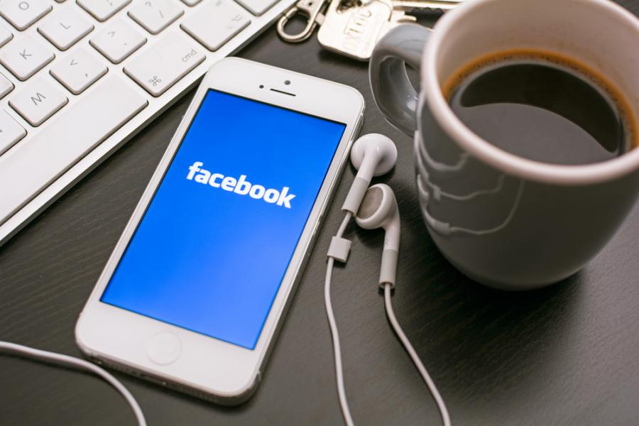 facebook, smartfon, komputer
