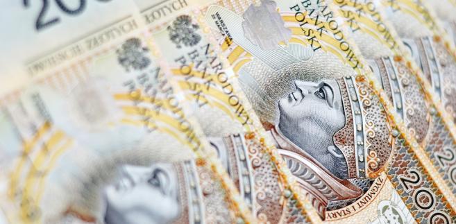 Bezrobotny mający niskie dochody może też skorzystać ze świadczeń z pomocy społecznej albo świadczeń rodzinnych.