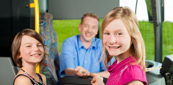 Co zrobić, aby dzieci na drogach ginęło mniej? – Kluczową sprawą jest wprowadzenie w szkołach wychowania komunikacyjnego jako odrębnego przedmiotu.