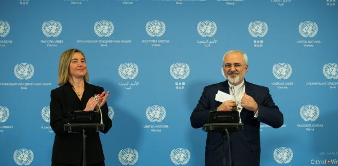 Przedstawiciel UE do spraw zagranicznych Federica Mogherini i szef MSZ Iranu Mohammad Javad Zarif