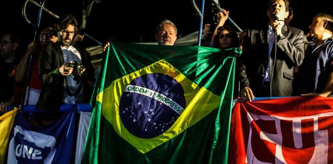Aby uchronić swojego poprzednika – uważanego za ojca brazylijskiego cudu gospodarczego – przed aresztowaniem, obecna prezydent Dilma Rousseff postanowiła wciągnąć go do administracji szybką nominacją na szefa swojego gabinetu.