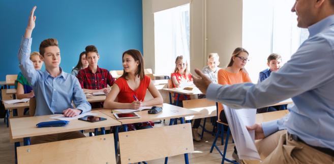Likwidacja gimnazjów przesunięta o rok? MEN: Doniesienia o zmianie terminu wdrażania reformy...