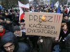 Polacy wyszli na ulice. Protesty odbyły się nie tylko w Warszawie [ZDJĘCIA]