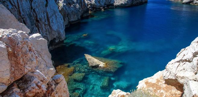 Wakacje na Sardynii – co odkryć na zapomnianej wyspie Włoch?
