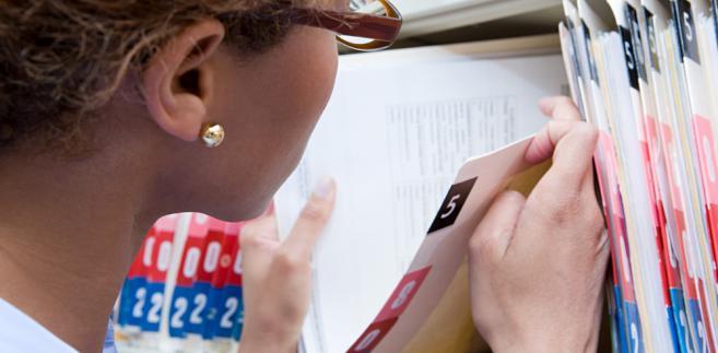 Zdecydowana większość wyroków Krajowej Izby Odwoławczej uznaje, że dokumenty mają potwierdzać spełnianie warunku w dniu ich składania