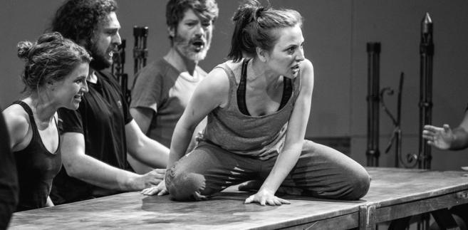 Hamlet komentarz Teatr Pieśń Kozła