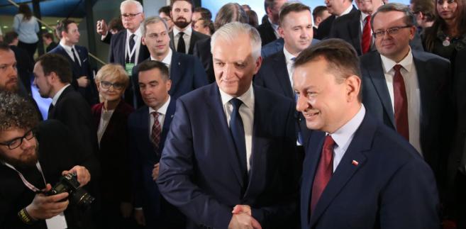Jarosław Gowin i Mariusz Błaszczak podczas kongresu.