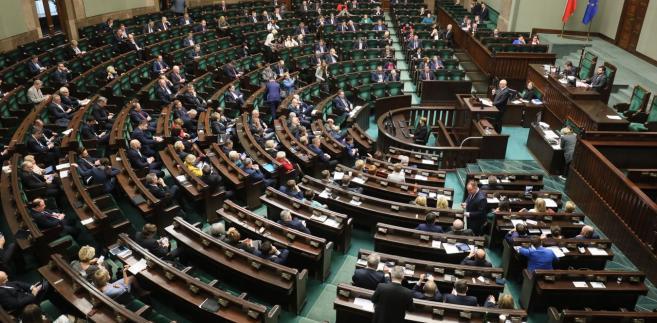 Rzecznik będzie powoływany przez premiera na wniosek ministra do spraw gospodarki na 6-letnią kadencję.
