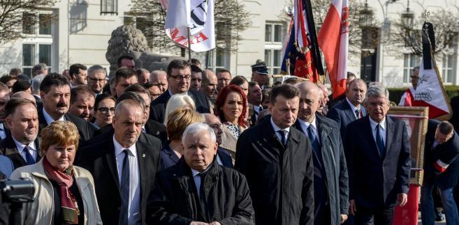 Prezes PiS od maja przebywa w Wojskowym Instytucie Medycznym przy ul. Szaserów w Warszawie