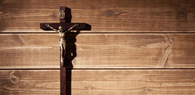 Osoby, które występują z Kościoła, często domagają się wykreślenia swych danych z ksiąg, a przynajmniej odnotowania faktu apostazji.
