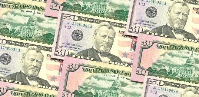 Ekonomiści spodziewali się, wzrostu wydatków o 0,2 proc. mdm, a dochodów o 0,3 proc. mdm.