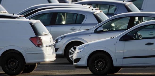 Łączna produkcja w ciągu czterech miesięcy 2013 roku wyniosła 202.613 aut, tj. o 18,78% (47 289 sztuk) mniej niż rok wcześniej, podano także.