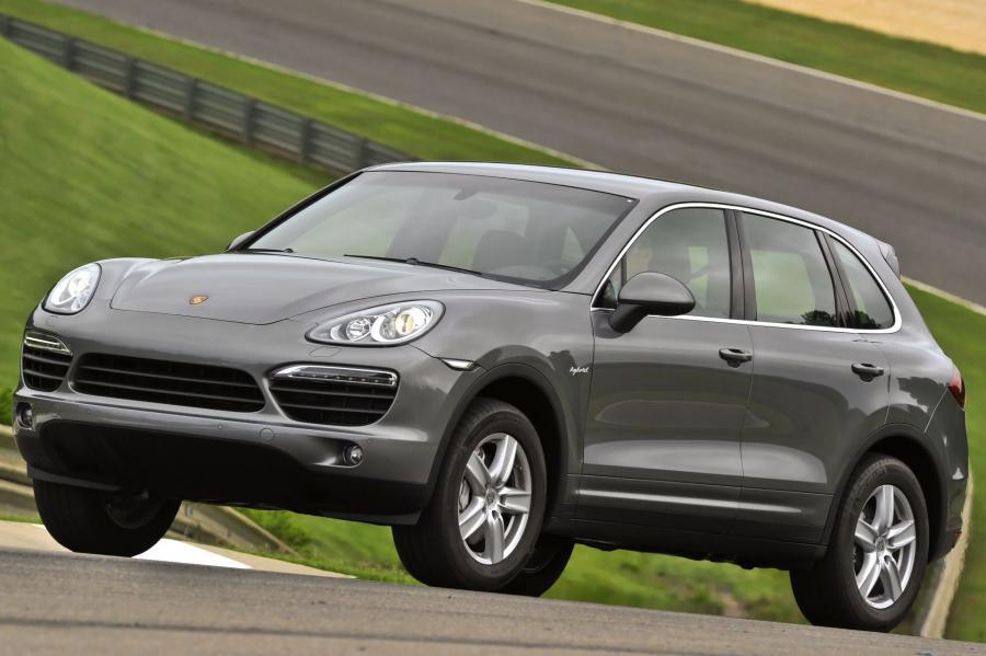 Porsche Cayenne S Hybrid. Oszczędności w ciągu 5 lat wyniosły 672 dol.