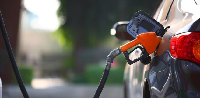 Pobieranie próbek kontrolnych na stacjach paliw z odmierzacza jest zasadne. Stacja benzynowa
