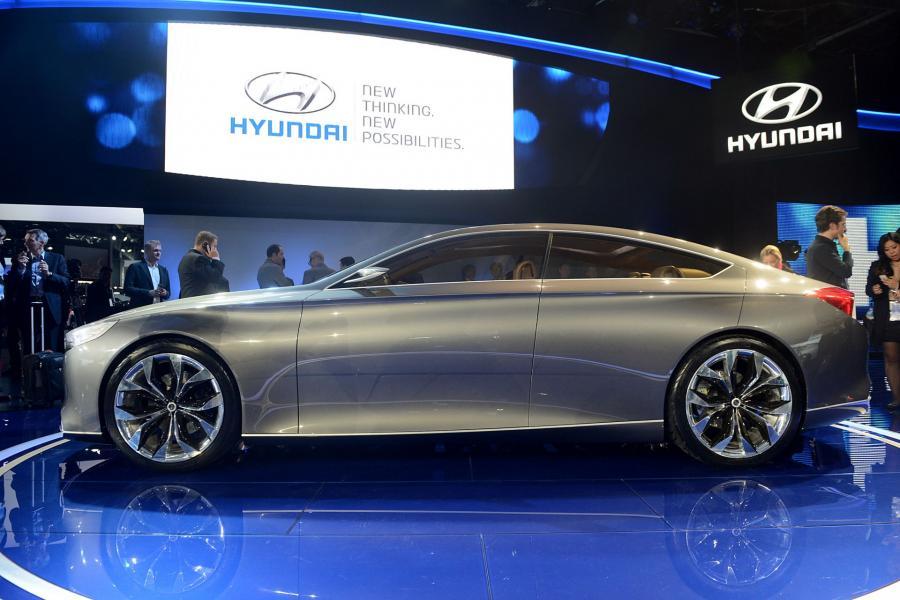 Hyundai HCD-14 Genesis concept luxury sedan