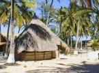 2. miejsce: Mozambik – idealne miejsce, żeby zobaczyć inną stronę Afryki. Choć nie jest to popularny kraj, który chętnie odwiedzają turyści, wytrawni podróżnicy będą zachwyceni wizytą w Mozambiku. 2,5 tys. kilometrów wybrzeża pozwoli odnaleźć cichą, piękną plażę. Chociaż Mozambik to nie tylko piękne plaże, a najlepiej przekonać się o tym samemu.