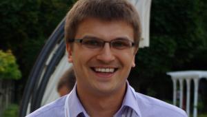 Daniel Dryzek od ponad 10 lat zajmuje się branżą domen internetowych i hostingiem