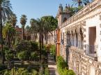 2. miejsce: Alkazar w Sewilli - sławny pałac królewski, którego początki sięgają XI w., kiedy rezydowali tutaj przedstawiciele kalifatu kordobańskiego. Zalicza się do najwspanialszych kompleksów pałacowych w Hiszpanii