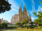 Dopiero 5. miejsce zajmuje Sagrada Familia - Świątynia Pokutna Świętej Rodziny – secesyjny kościół w Barcelonie w Katalonii o statusie bazyliki mniejszej, uważany za główne osiągnięcie projektanta Antoniego Gaudíego. Budowę świątyni rozpoczęto w 1882 roku do dzisiaj jej nie skończono.