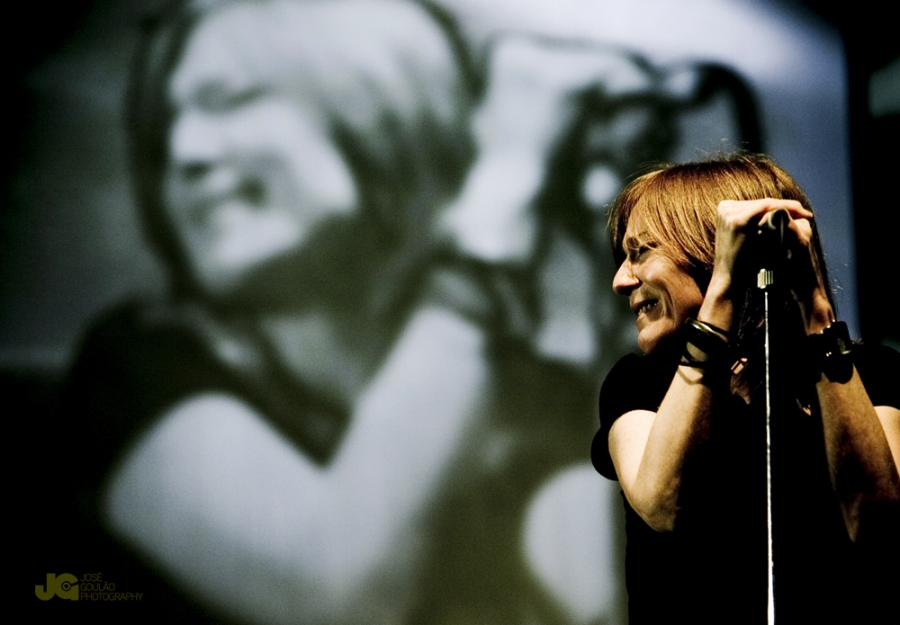 """Beth Gibbons 2008"" by José Goulão from Lisbon, Portugal - Portishead. Licensed under Creative Commons Attribution-Share Alike 2.0 via Wikimedia Commons - http://commons.wikimedia.org/wiki/File:Beth_Gibbons_2008.jpg#mediaviewer/File:Beth_Gibbons_2008.jpg"