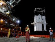 Katastrofa platformy <strong>Deepwater</strong> <strong>Horizon</strong>: Stalowa kopuła przykryła miejsce wycieku ropy