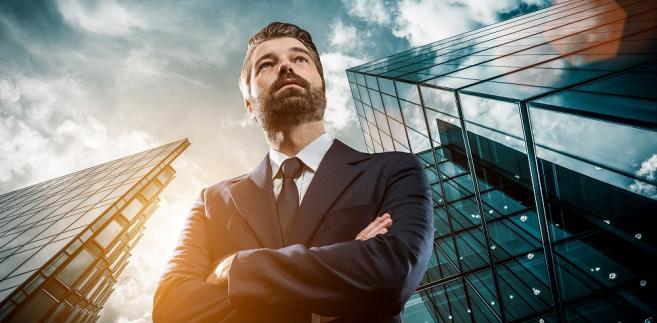 W chwili gdy właściciel firmy umrze (lub niedługo po tym) zacznie za niego działać zarządca sukcesyjny