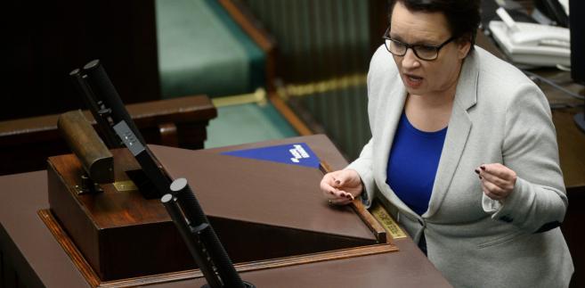 Minister edukacji narodowej Anna Zalewska w Sejmie.