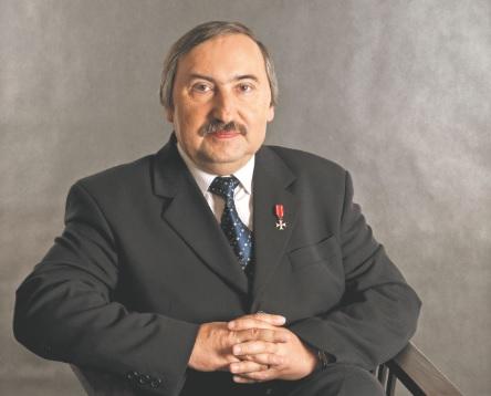 Prof. Bogusław Banaszak - wybitny konstytucjonalista, sędzia Trybunału Stanu, członek Komisji Weneckiej, twórca i dziekan Wydziału Prawa i Administracji Uniwersytetu Zielonogórskiego - zmarł nagle w Warszawie 9 stycznia, w wieku 63 lat