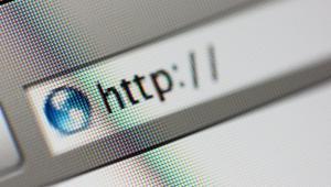 Większość firm ma obecnie strony internetowe. Rejestracja domeny nie jest ani trudna, ani kosztowna. Jednak wielu przedsiębiorcom bardzo utrudnia życie piractwo domenowe. W jaki sposób można się przed nim skutecznie bronić?