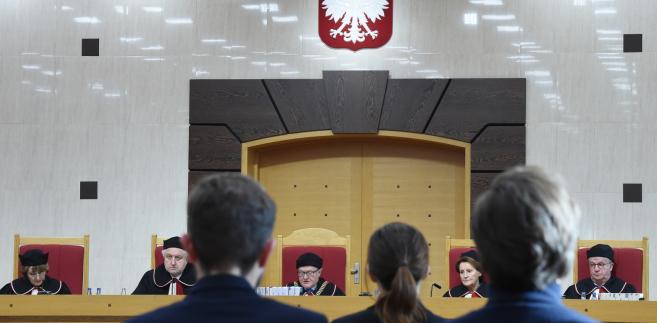 Sędziowie podczas ogłoszenia wyroku Trybunału Konstytucyjnego.