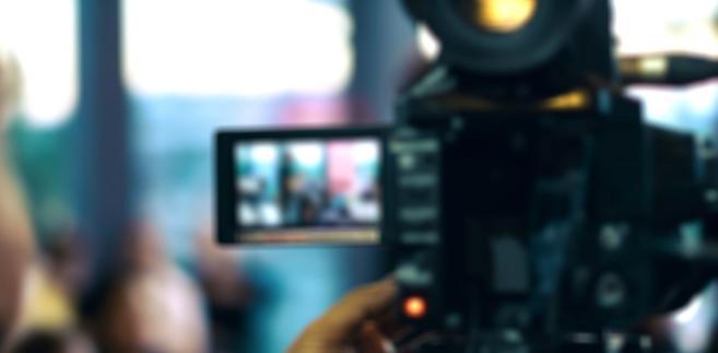 Decyzję zarząd TVP musi podjąć najpóźniej do poniedziałku 15 stycznia, bo wtedy rada nadzorcza ma zatwierdzać cały plan inwestycji Telewizji Polskiej w tym roku.