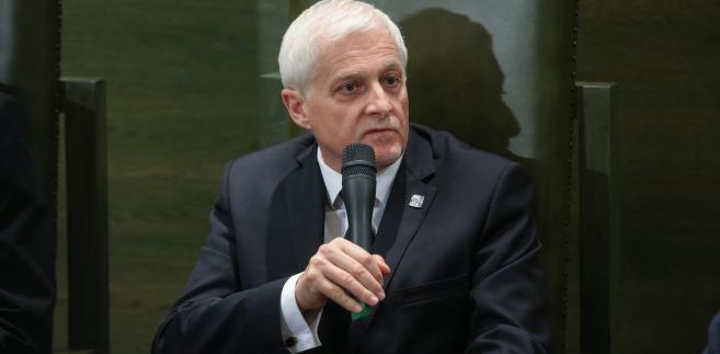 - Sędziowie SN po ukończeniu 65. roku życia nie osiągają jeszcze kresu swoich możliwości zawodowych - wyjaśnia Dariusz Zawistowski