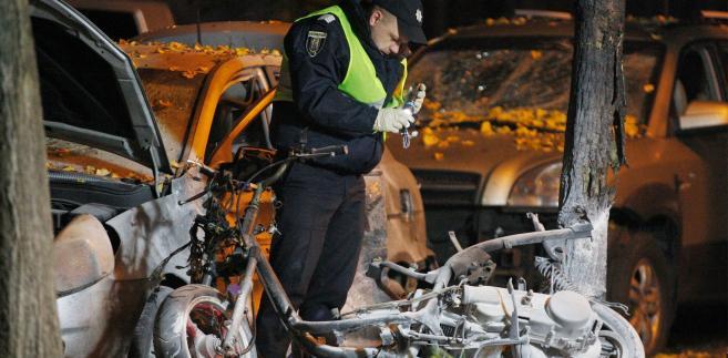 Doradca szefa MSW Anton Heraszczenko oświadczył, że siła wybuchu odpowiadała wybuchowi 1 kg trotylu.
