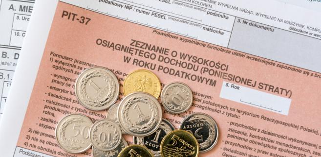 Polacy coraz chętniej składają PIT przez internet