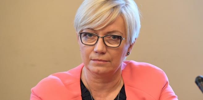 """Przyłębska podkreśliła, że zagadnienia rozpatrywane przez Trybunał w 2016 roku dotyczyły zarówno """"spraw publicznych i ustroju państwa"""" jak i odnoszących się do wolności i praw konstytucyjnych oraz ich ochrony""""."""