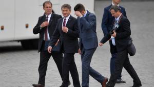 Marszałek Sejmu Marek Kuchciński w drodze na uroczystości Zgromadzenia Narodowego