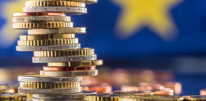 Kredyty zagrożone (ang. non-performing loans, NPLs) to kredyty, których firma lub osoba fizyczna nie jest w stanie regularnie spłacać.