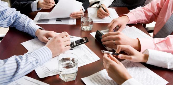 Przy nabyciu przedsiębiorstwa w ramach upadłości dochodzi do transferu pracowników, bo tak stanowi art. 231 k.p.