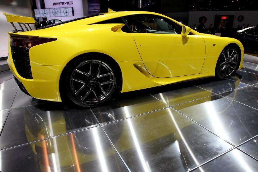 Lexus LFA samochód sportowy prezentowany na wystawie New York International Auto Show (NYIAS) w Nowym Jorku, USA