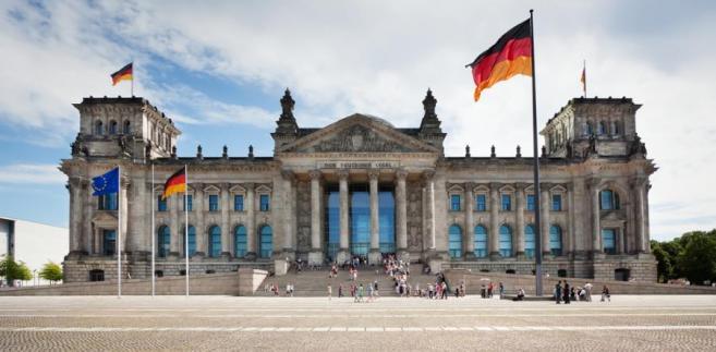 Niemiecki Bundestag zdecydowaną większością głosów zaostrzył prawo azylowe